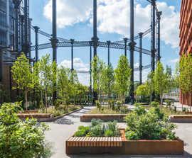 Outdoor seats - Gasholder Park & Triplets, King's Cross