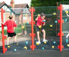 Clear Traverse climbing wall for playgrounds