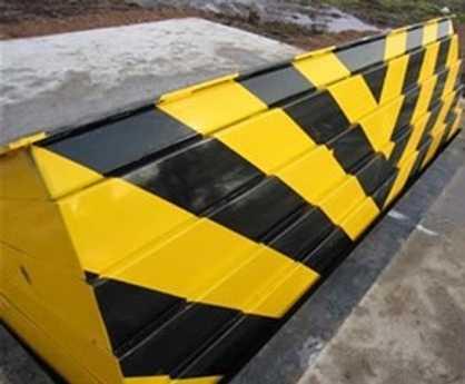 PAS 68 crash rated shallow mount road blocker