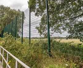 TwinSports - medium usage wire mesh sports fencing