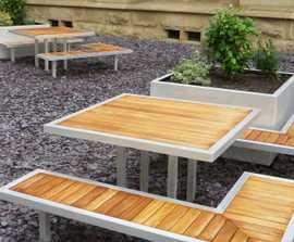 Campus aluminium-framed picnic table with timber slats