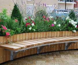 Swithland planter with timber bench