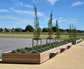 Grenadier planter with Henley bench