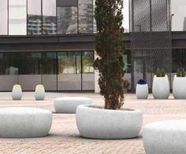 Mago Poupées Russes cast stone seating