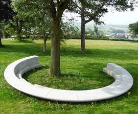 Bespoke concrete tree seat – Gijzelbrechtegem (B)