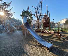 Natural playground equipment for Kilburn Grange, Camden